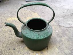 Chaleira de ferro antiga grande