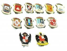 Coleção De 12 Broches Com Brasões De Cidades Da Espanha