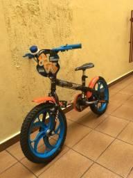 Bike Hot Wheels - aro 16. Caloi. Com buzina plástica, sem rodinhas.