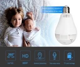 Babá Eletrônica Com Formato De Lâmpada (Acompanhe Ao Vivo No Celular)