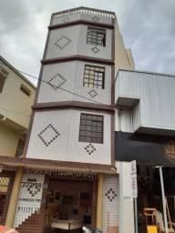 AP Centro c/ Quarto de Casal + sala + cozinha + banheiro + varanda / area de serviço