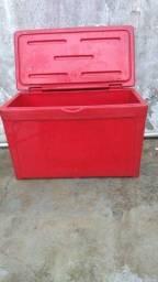 Caixa Térmica Vermelha360 Litros, Macáe-RJ