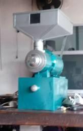 Máquina de moer café. 1200 reais.