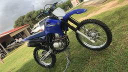 Vendo: lander 2012 de trilha moto zera