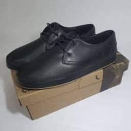 Sapato preto reserva em couro sintético, novo.