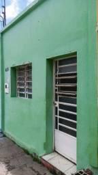 Casa 2 quartos no bairro do Prado