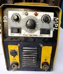 Máquina Inversora de Solda Esab 3000i
