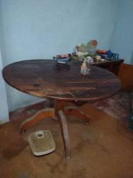 Vendo essa mesa de madeira