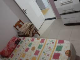 Alugo quarto em casa no CIC