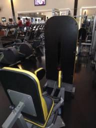 Equipamento treino pernas abdução