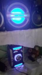 Vendo um som Panasonic 900w por 370 ou troco
