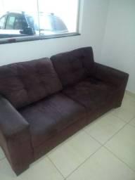 Conjunto de sofás... Dois e três lugares...