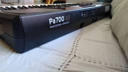 Teclado Korg PA 700, novíssimo! Oportunidade!!Com Nota fiscal e na garantia
