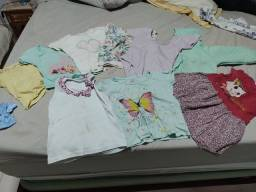 Camisetas feminina usada casaco e vestido