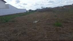 Vende ou aluga se Terreno no centro de  Ituiutaba