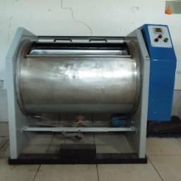Máquina de lavar roupas industrial