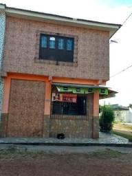 Vendo duas casas, sendo com um comércio em pleno funcionamento