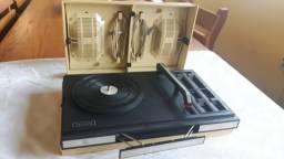 Vitrola antiga Philips 1972
