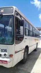 Onibus ano 2000 e mais 3 ônibus 2006