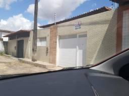 Casa em condomínio no Maiobão