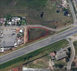 Área 2.000 m²