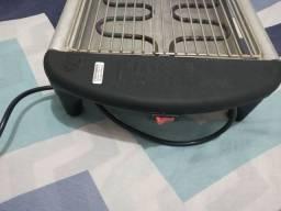 Churrasqueira elétrica bem conservada