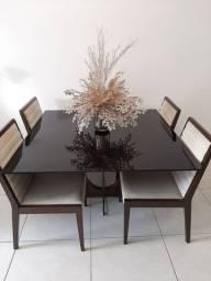 Mesa quadrada com 4 cadeiras 2,00X2,00m