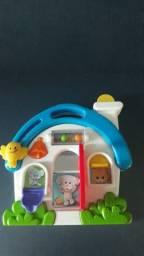 Brinquedo interativo. Casinha musical. Marca Fischer Price.