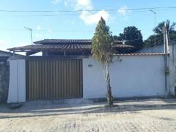 Casa 2 quartos, sala, cozinha, banheiro, garagem e quintal
