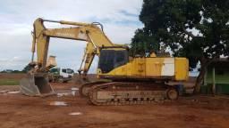Escavadeira Komatsu PC600 - 60 toneladas (aceito troca)