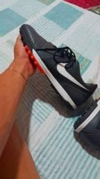 Chuteira Society Nike preta original n°38