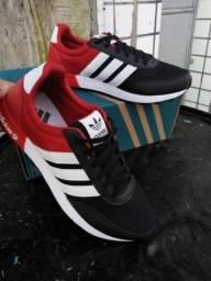 Têni Adidas Preto com Vermelho Entrega Gratis