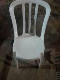 Cadeiras plastico ferro