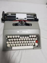 Maquina de escrever Olivetti College