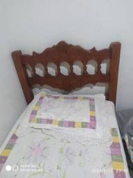 Vende-se cama de solteiro