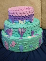 Vendo bolo fake e fantasia sereia