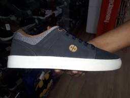 Sapatos tênis 100 reais