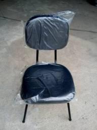 Cadeira estofado pé fixo