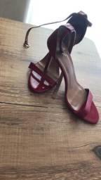 Sandália de tiras, tamanho 37
