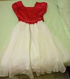 Vestido infantil para festa.