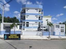 Apartamento com sala ampla em dois ambientes, enfrente ao Mercado Costa Azul