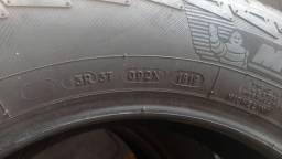 4 pneus  usados fiat toro