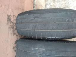 Três pneus Pirelli P400 evo 175/65 R 14