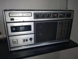 Radio Grundig C6200. ondas curtas radio escuta receptor