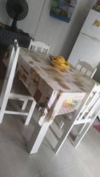 Mesa para cozinha.