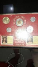 Vendo moedas10,junto vai um walk talk antigo porem nao sri se funciona