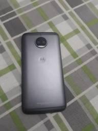 Moto g5s Plus,64gb,4 de ram,apenas um detalhe
