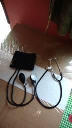 Estetoscópio e medidor