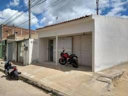 Alugo Casa no Bairro com Ponto Comercial no planalto.