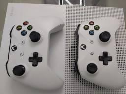 X Box One S 1TB 4K - 2 Controles